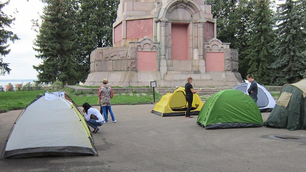 Обустраиваемся в палаточном городке